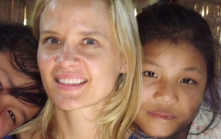 Ingi with some of the unaccompanied minors in Mae La Ma Luang.